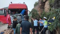【39号视频】惊险!温州一货车失控冲向山体,各方紧急施救,驾驶员讲述惊心动魄的危险瞬间.....